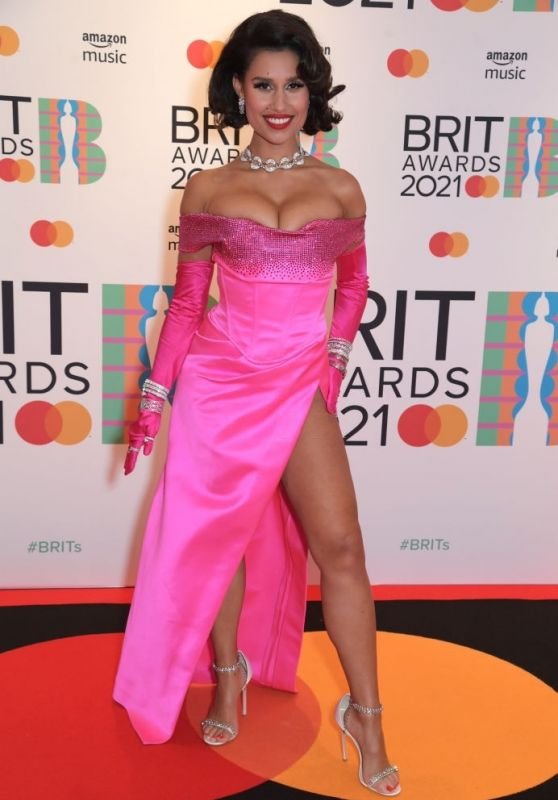 Raye – BRIT Awards 2021