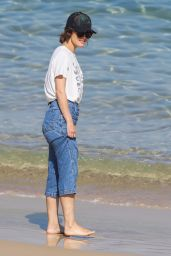 Rose Byrne - Out on Bondi Beach in Sydney 05/01/2021