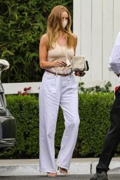 Rosie Huntington-Whiteley at the San Vicente Bungalows in LA 05/15/2021