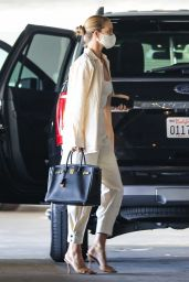 Rosie Huntington-Whiteley - Out in West Hollywood 05/06/2021