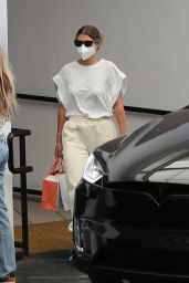 Sofia Richie in Comfy Clothes - Beverly Hills 05/25/2021