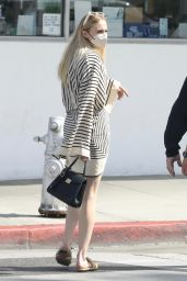 Sophie Turner - Shopping in Beverly Hills 05/09/2021