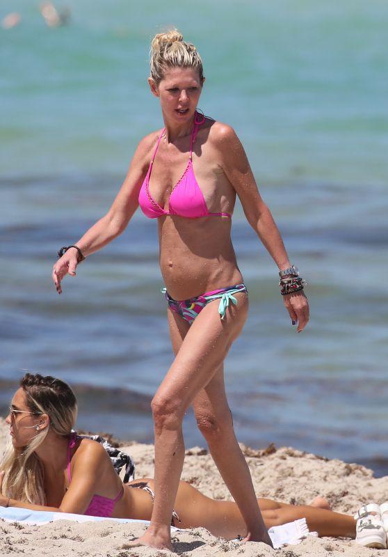 Tara Reid in a Pink Bikini - Miami 05/11/2021