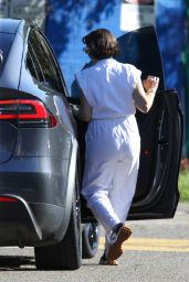Zoe Blake Foster in an All-White Linen Outfit - Sydney 05/10/2021