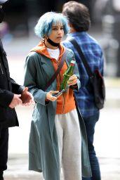 "Zoë Kravitz With Neon Blue Hair - ""Kimi"" Filming Set in Seattle 05/10/2021"