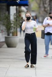 Zoey Deutch - Out in Los Angeles 05/10/2021