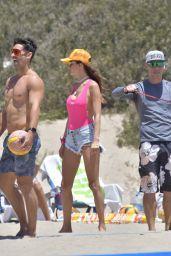 Alessandra Ambrosio - Playing Beach Volleyball in Santa Monica 06/04/2021