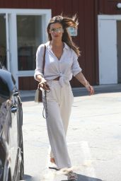 Alessandra Ambrosio - Shopping at the Brentwood Country Mart 06/03/2021