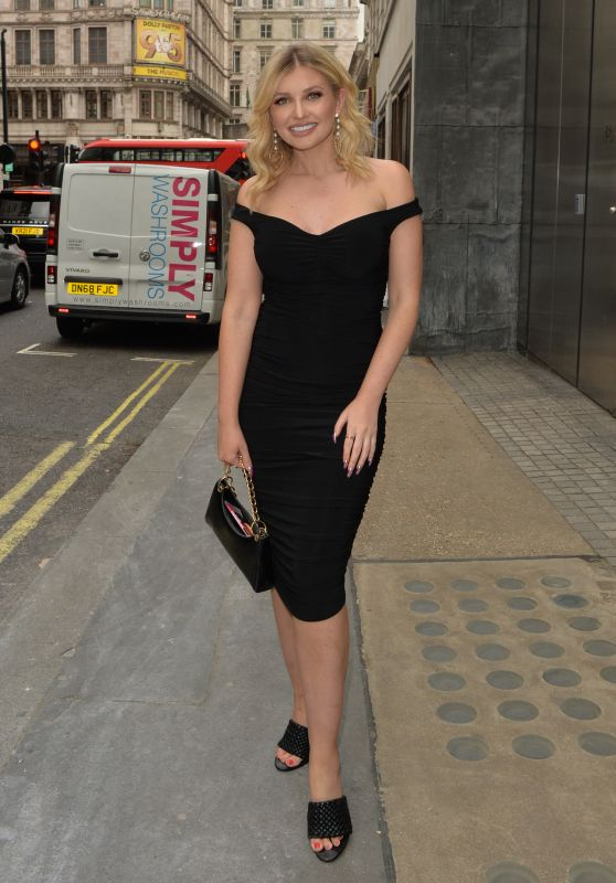 Amy Hart at the Savoy Hotel in London 06/11/2021