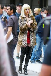 "Anne Hathaway - ""WeCrashed"" Filming Set in New York 06/11/2021"