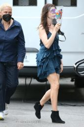 """Anne Hathaway - """"WeCrashed"""" Set in Chinatown, NY 06/25/2021"""
