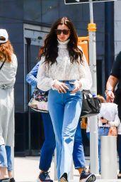 """Anne Hathaway - """"WeCrashed"""" Set in New York City 06/07/2021"""