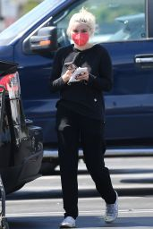Ariel Winter - Grocery Shopping in North Hollywood 06/05/2021