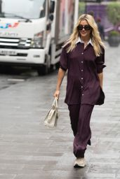 Ashley Roberts Street Style - London 06/28/2021