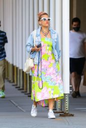 Busy Philipps Street Style - NYC 06/15/2021