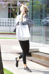 Charlotte McKinney - Shopping in West Hollywood 06/16/2021