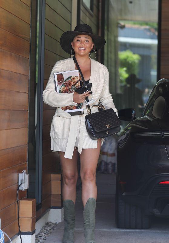 Chrissy Teigen Street Style - Los Angeles 06/21/2021