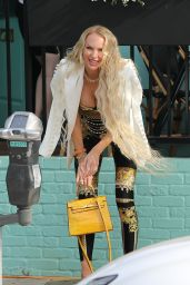 """Christine Quinn at """"Olivetta"""" Filming Some Scenes for Her Show """"Selling Sunset"""" in West Hollywood 06/23/2021"""