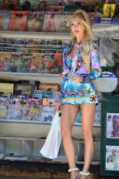 Christine Quinn - Picks up a Copy of Her Cover Issue From a Magazine Stand in Beverly Hills 06/07/2021
