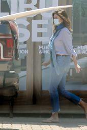Cindy Crawford - Running Errands in Malibu 06/06/2021