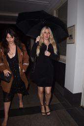 """Ellie Goulding at """"Safe Spaces"""" Private View and Dinner in London 06/17/2021"""