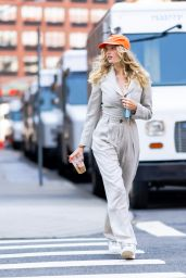 Elsa Hosk - Out on a Stroll in NYC 06/21/2021