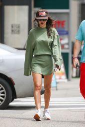 Emily Ratajkowski Street Style - New York 06/01/2021