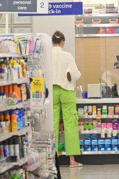 Gigi Hadid - Gets a Covid Vaccine at Walgreens in NYC 06/03/2021