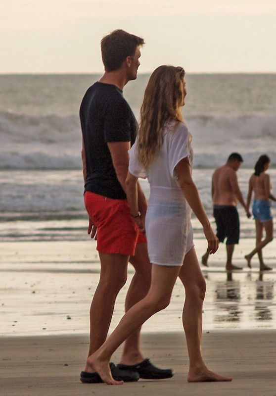 Gisele Bundchen - Romantic Stroll in Costa Rica 06/29/2021