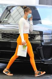 Hailey Rhode Bieber in Leggings - Beverly Hills 06/16/2021