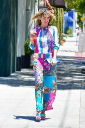 Heidi Klum Looks Colorful - West Hollywood 06/11/2021