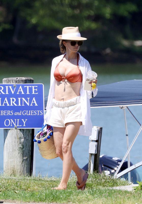 Hilaria Baldwin - Montauk Hamptons Beach New York 06/05/2021