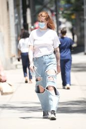 Ireland Baldwin - Out in New York 06/08/2021