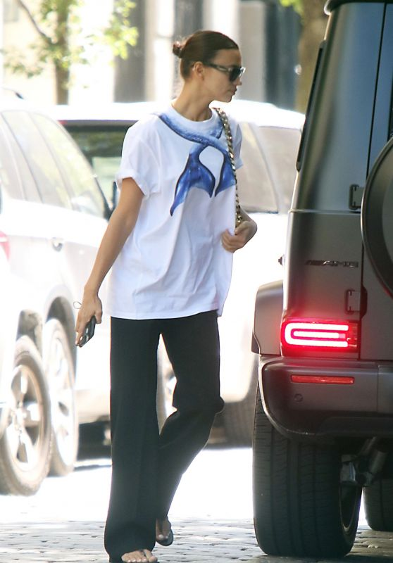 Irina Shayk - Out in New York 06/17/2021