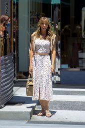 Jennifer Flavin - Out in Beverly Hills 06/10/2021