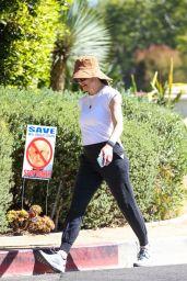 Jennifer Garner - Out in Santa Monica 06/02/2021