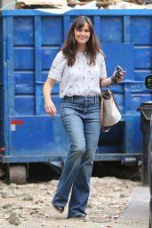 Jennifer Garner Wears Jeans With a Floral Top - Brentwood 06/17/2021