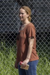 """Jennifer Lawrence - """"Red, White and Water"""" Filming Set in New Orleans 06/01/2021"""