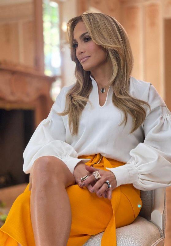 Jennifer Lopez Outfit 06/18/2021