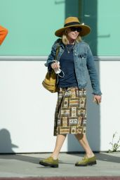 Julie Bowen - Out in Los Angeles 06/10/2021