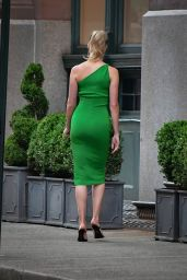 Karlie Kloss in Green - Out in Brooklyn 06/10/2021
