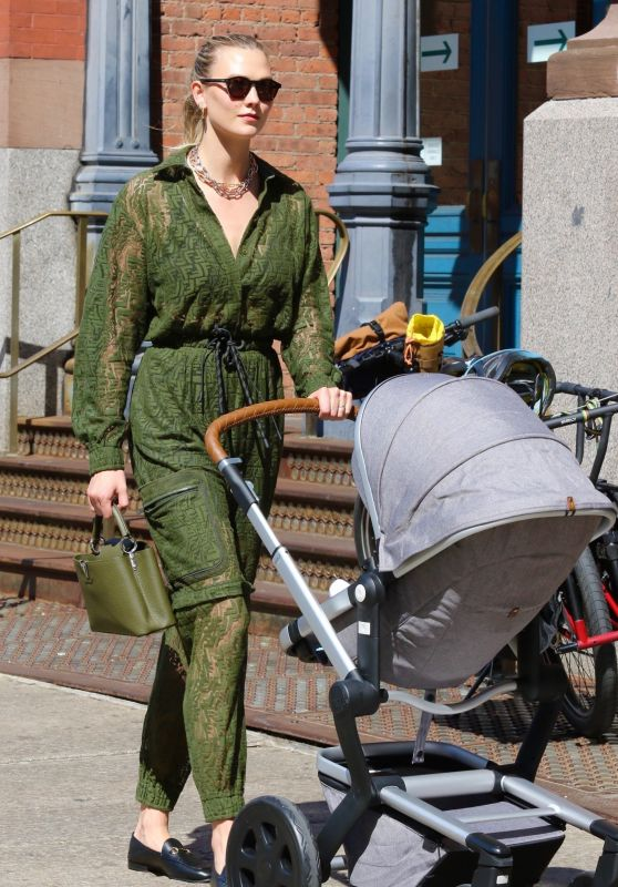 Karlie Kloss in Green Outfit - New York 06/10/2021