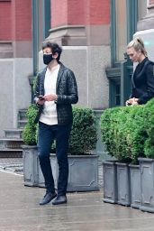 Karlie Kloss - Out in New York 06/08/2021