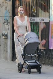 Karlie Kloss - Out in New York 06/09/2021