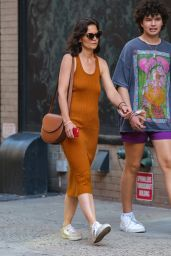 Katie Holmes Debuts New Hairstyle - NYC 06/24/2021