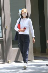 Katie Holmes in Comfy Outfit - Leaves Her Apartment in NY 06/29/2021
