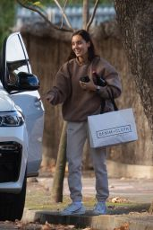 Kayla Itsines - Out in Adelaide 06/06/2021