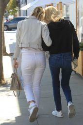 Kelly Rutherford With Her Mother Ann Edwards - Beverly Hills 06/08/2021