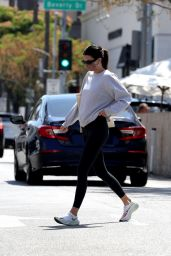 Kendall Jenner in Workout Outfit in Bevberly Hills 05/31/2021