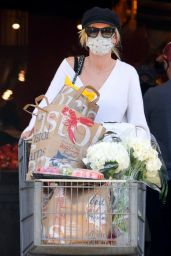 Kimberly Stewart - Grocery Shopping at Bristol Farms in Beverly Hills 06/13/2021